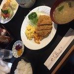 ぱいち - 日替りランチのヒレカツ定食(^∇^)