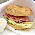 サンドイッチ・ファクトリー - ベーグルサンド/ミラノサラミ