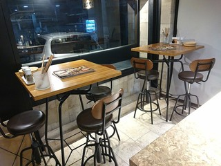 肉バルKACCHAN 池袋南口店 - テーブル席