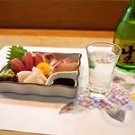 美幸寿司 - 料理写真:お造り盛り合わせ & 冷酒