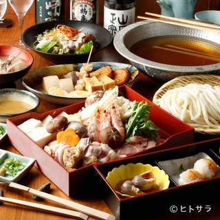 愛媛の食材を使った自慢のコースで、華やかな宴を催す