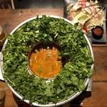 SHINJYUKU RAMBUTAN - 《山盛りパクチートムヤムクン鍋》税別2,180円
