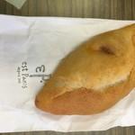85979676 - りんご酵母のカレーパン