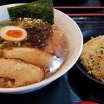 まるせいラーメン - 地鶏醤油らーめんセット
