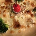 カフェ&レストラン談話室 ニュートーキョー - チーズグラタンスパゲッティon cherry