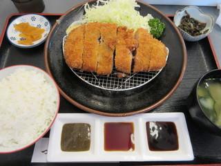 とんかつ川久 - 【上黒豚ロースカツ 250g 2500円】