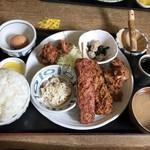 こだわりとんかつ播 - 日替わりランチ すんごいボリューム!!