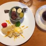 有機野菜食堂 わらしべ - 本日のデザート盛り合わせ420円。あんみつとクレープ。