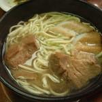郷土料理 かーらやー - 宮古そば、量も味も文句ナシ!
