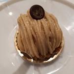 86009630 - モンブランの上にちょこんとのった帝国ホテルマークのチョコレートも嬉しい。