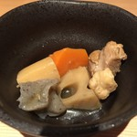 個室 北国の匠 北海道 魚均 - お通しの煮物