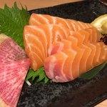 個室 北国の匠 北海道 魚均 - サーモンのお造り(……これで610円…)