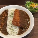 パパノカリー - 東大阪ラグカリー(欧風カレーとキーマカリーのあいがけ)(¥780) ・ロース豚カツ(¥200)