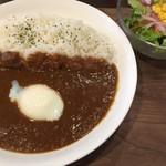 パパノカリー - 本格欧風カリー(¥680) ・半熟卵(¥100)
