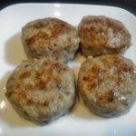 ぞっこん広場 産直コーナー - 料理写真:四元豚ハンバーグ(4個入り)