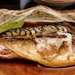お魚のお店 福玄丸 - 鯖がでかいです。