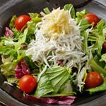 生姜とシラスのサラダ