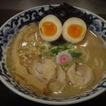 東京駅 斑鳩 - 豚骨魚介 全部入りらー麺