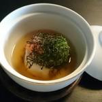 86029467 - 蓋物  鯛の茶蕎麦巻き