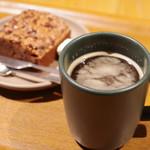 ダンデライオン・チョコレート - アメリカーノ、チョコレートブラウニー