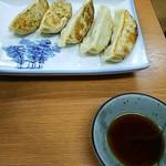 新さっぽろらーめん 龍竜 - 餃子。400円。