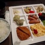 JUEN - 2日目!朝食バイキング♪