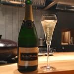 86036307 - シャンパンで乾杯♪