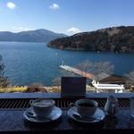 ティーラウンジ季節風 - ドリンク写真:カフェオレ・アメリカンコーヒ
