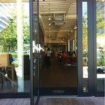 CAFE;HAUS - 広々と余裕を持たせた空間