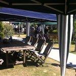 CAFE;HAUS - 広い庭に10個くらいのテントが立ってます