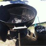 CAFE;HAUS - BBQ用のコンロ  着いた時にはもう炭に火が付いていました