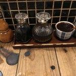 炉ばた雷橋 - 塩、辛味噌、ポン酢、醤油、一味、柚子胡椒