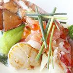 スマイリーネプチューン - 料理写真:オマール海老のカルタファタ包み焼き ハーブの香り