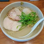 臥龍 - 鶏チャーシュー麺+味玉