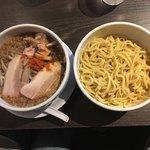 滋賀石山TOMOにぼ次朗 - つけ麺鰹次朗 200g 850円