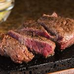 やっぱりステーキ - 冨士溶岩石で焼き上げるステーキが絶品です!