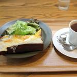 86072877 - モーニングコーヒー+角食トーストwithチーズ550円