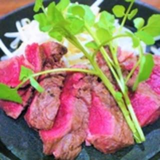 『健』の牛肉はTV取材も殺到!有名な『牧草牛』を使用!!