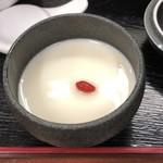 86083530 - デザートの杏仁豆腐