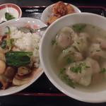 楊友雲吞 - ワンタンセット  中華飯+ワンタン 780円