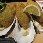たらふく うなり - 特大牡蠣フライ:800円