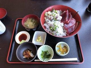 藤浪 - 三品丼(釜揚げしらす、まぐろ、あじ) ¥2,000-