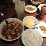 陳麻婆豆腐 - 陳麻婆豆腐セット  1100円 (税込) ライス、スープ、搾菜、飲み物