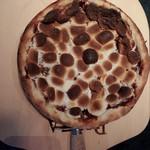 ビストロバンビーナ - マシュマロとチョコのピッツァ