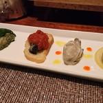 86095285 - 牡蠣前菜5種盛り合わせ