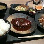 鶴もつ - Aランチ(ハンバーグ)