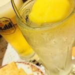 魚屋スタンドふじ子 - 高級ぽんかんサワーと生ビールで乾杯〜☆