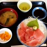 蒔田 - 料理写真:和食 蒔田@南部市場 中おち丼・大盛(850円+50円)