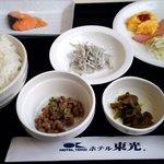 ホテル東光 - 料理写真:和朝食