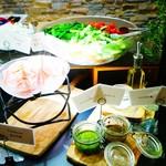 TRATTORIA AL POMPIERE - ビュッフェスタイルの前菜